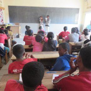 """#1 Que représente """"le droit à l'identité"""" pour les enfants de l'Association des Enfants d'Antananarivo ?"""